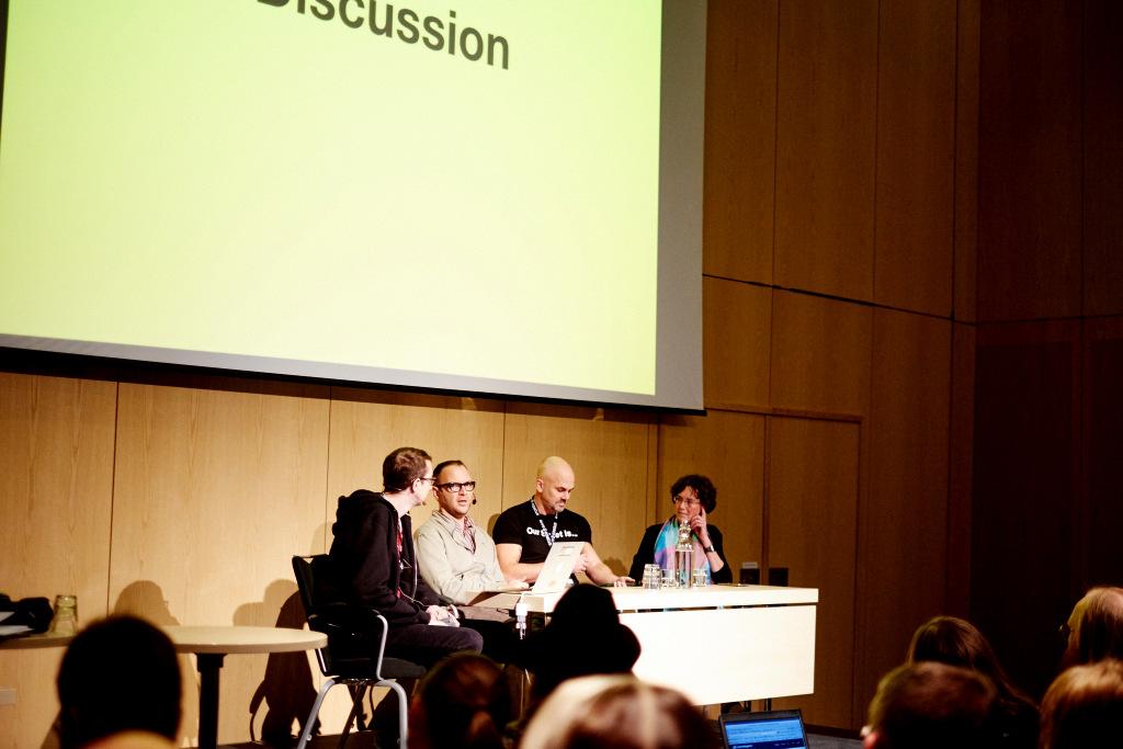 Panel - Phöto by Tobias Bjorkgren