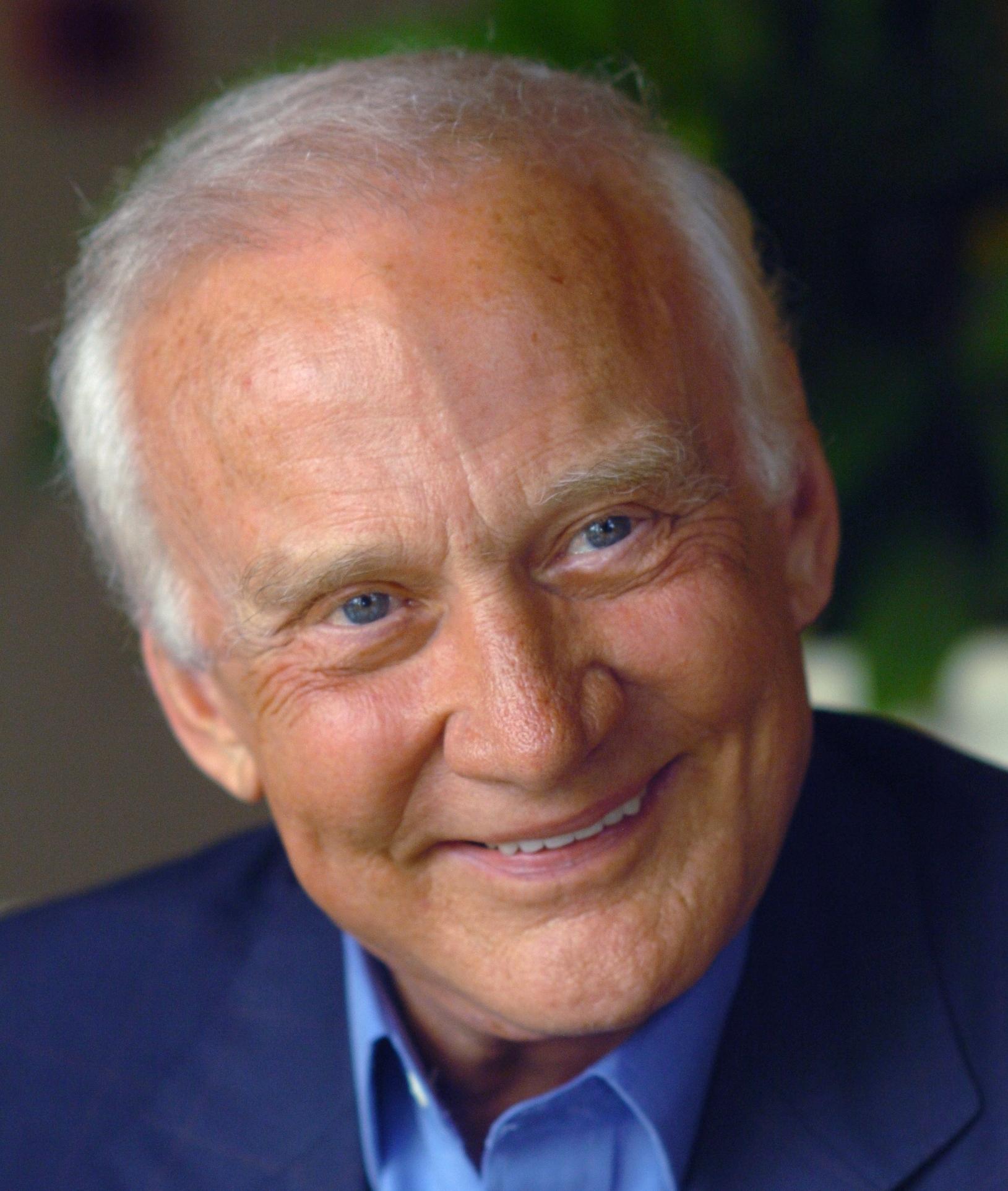 Buzz Aldrin speaker