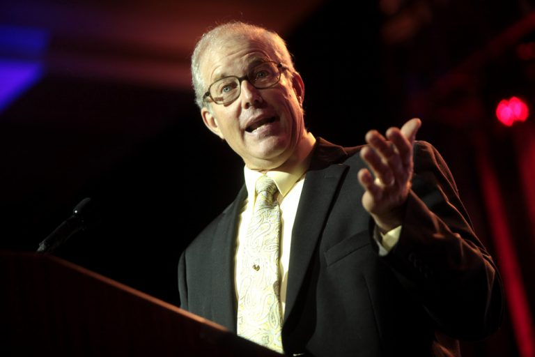 Joel Salatin defends the use of technology in the clean food movement